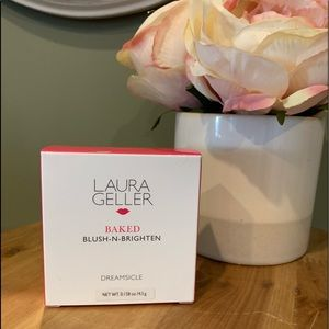 Laura Gellar Baked Blush & Brighten NIP
